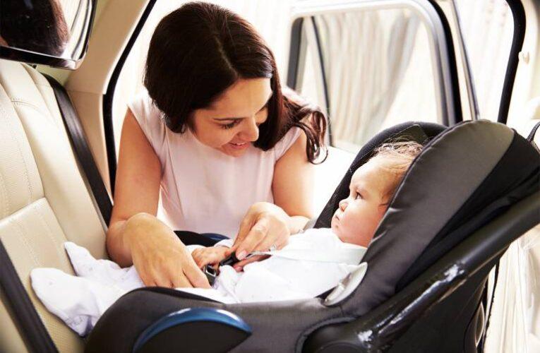 Recém-nascido não deve fazer longas viagens de carro