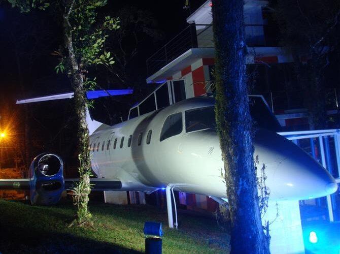 Avião vira hotel em Monte Verde