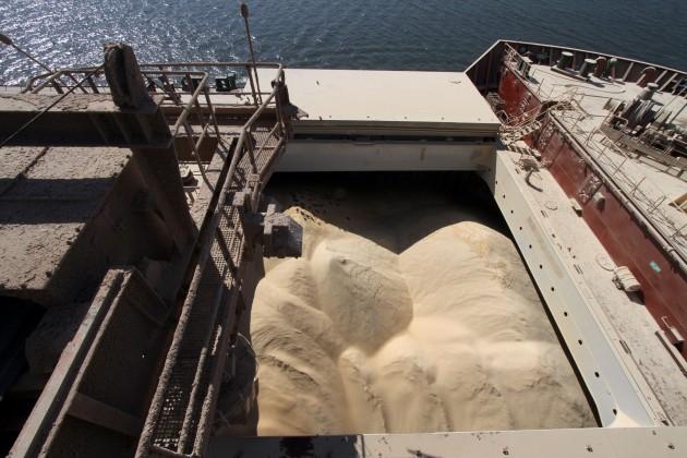 Exportação de açúcar bruto inicia junho em alta