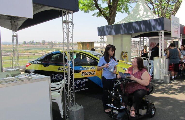 Evento automotivo para pessoas com deficiência