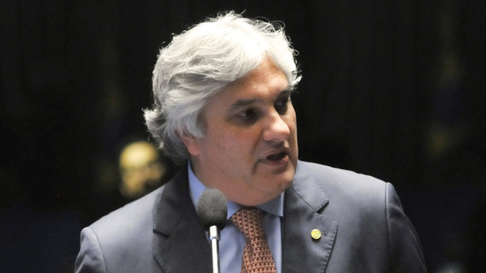 Polícia Federal prende senador Delcídio do Amaral do PT