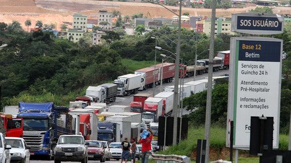 Últimas notícias sobre a paralisação dos caminhoneiros