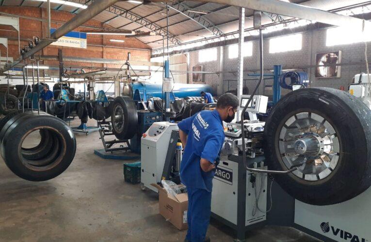 Reformadoras instalam equipamentos da Vipal Máquinas
