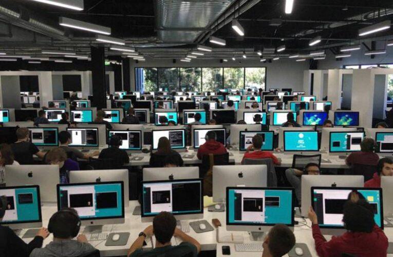 Conheça '42' a universidade de tecnologia sem professor