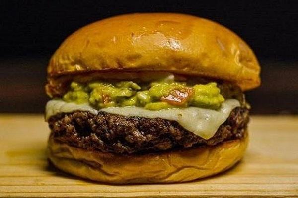 Hambúrguer com fibra de caju e proteína de soja